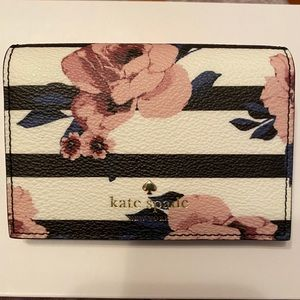 🌸 Kate Spade Card Holder 🌸